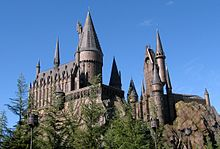 220px-Wizarding_World_of_Harry_Potter_Castle